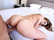 Curvaceous babe Carmen Caliente pounded